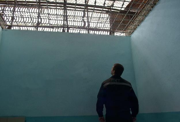 Тюменец пытался вапельсине пронести натерриторию колонии наркотики