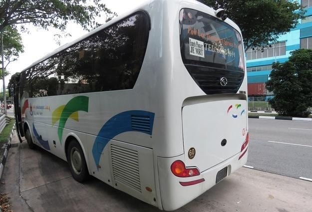 Владелец автобуса выплатит 300 тыс. руб. упавшей пенсионерке