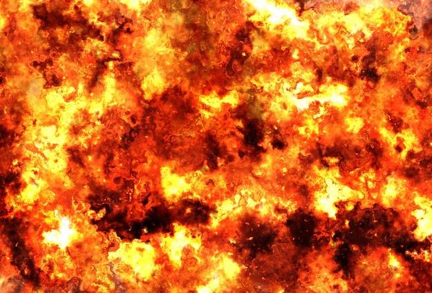 Пожар на50 лет Октября: мужчину увезли наскорой