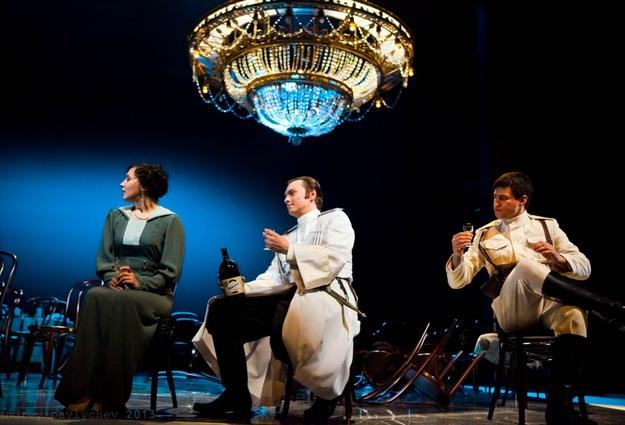 Репертуар Тюменского драмтеатра могут покинуть три спектакля