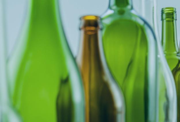 Тюменский завод начнет производить бутылки вформе нефтяной вышки