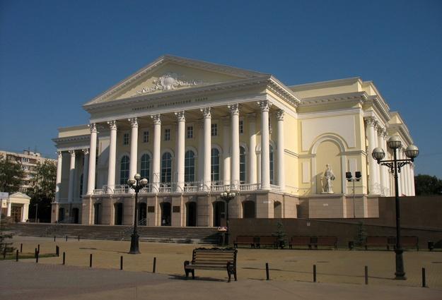 12 спектаклей представят на фестивале имени Валерия Золотухина
