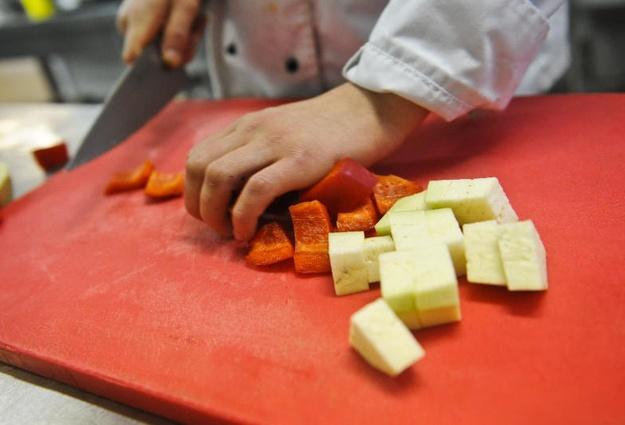 Незрячие тюменцы научились готовить праздничные и ежедневные блюда