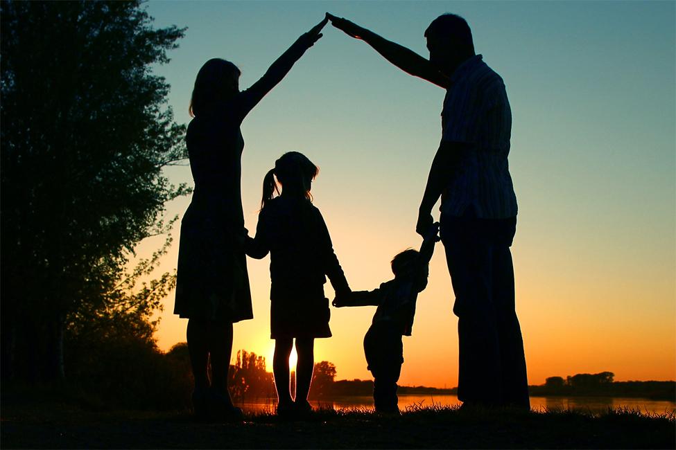 Картинка отец мать и дети